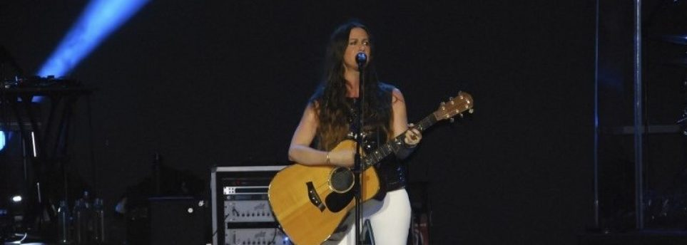 Alanis Morrisette Cropped